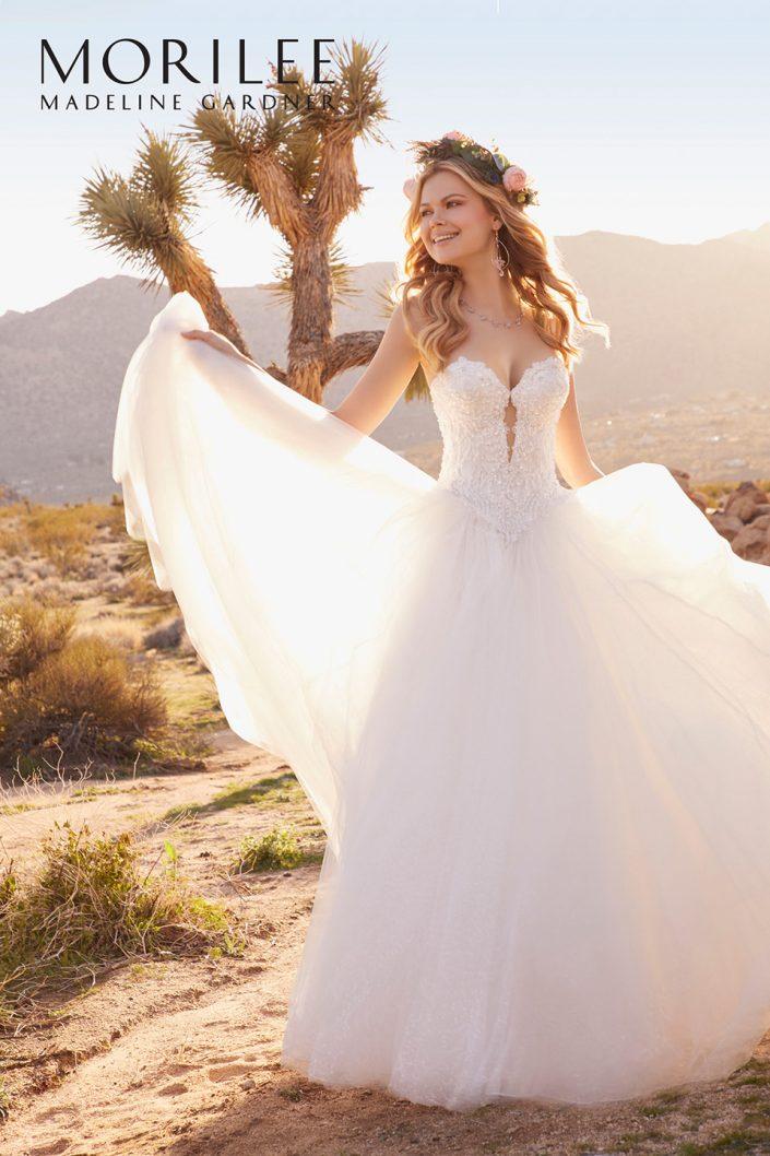 Robe de mariée princesse bustier avec jupe en tulle pailletée, bustier en dentelle strassé et bretelles amovibles
