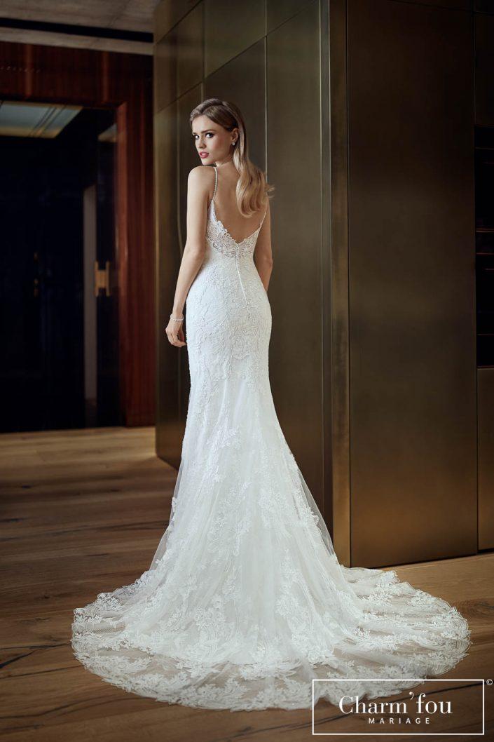Robe de mariée sirène en dentelle avec traîne et dos plongeant