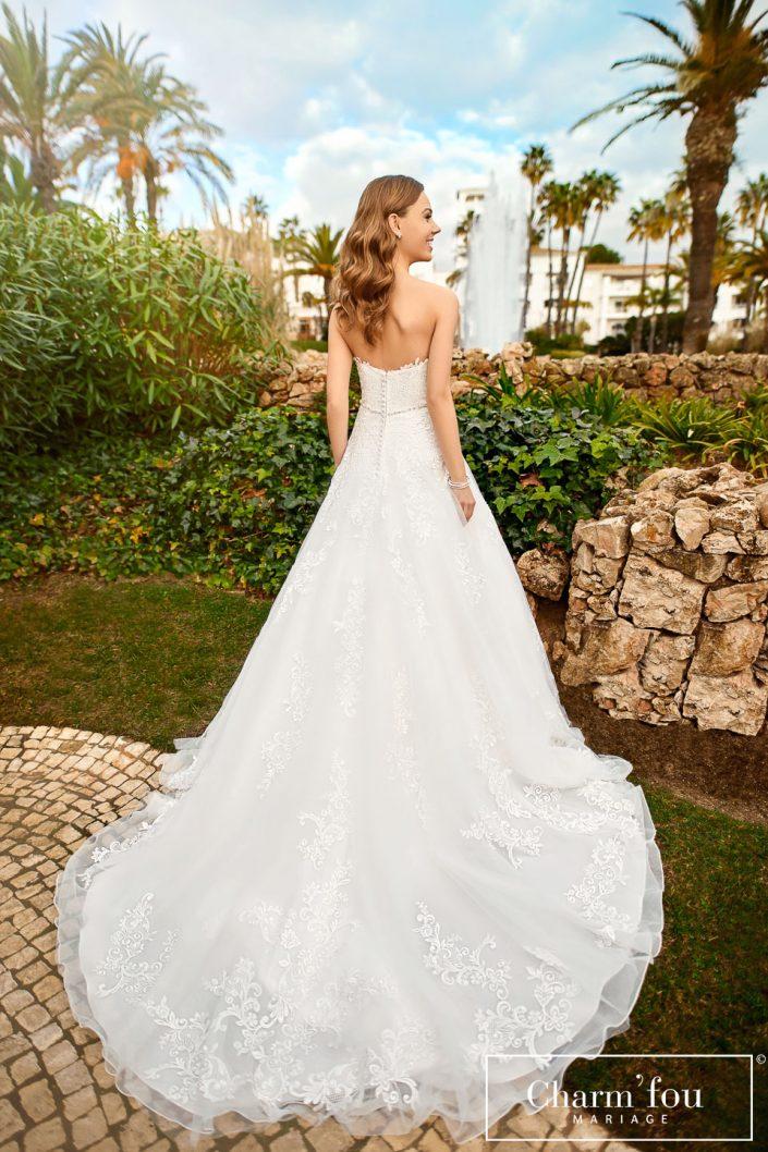 Robe de mariée princesse bustier avec applications de dentelles et ceinture
