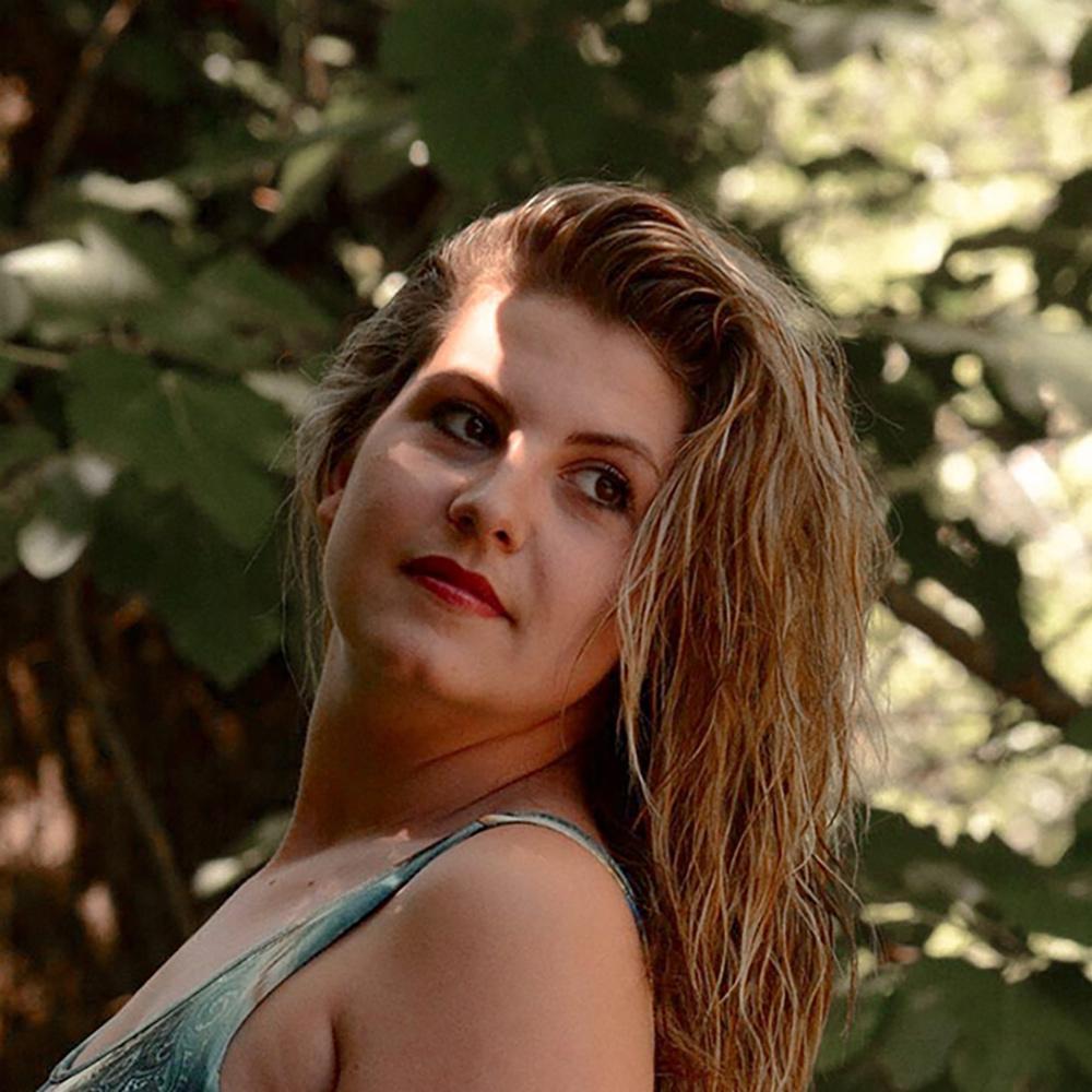 Justine: couturière de Charm'fou Mariage